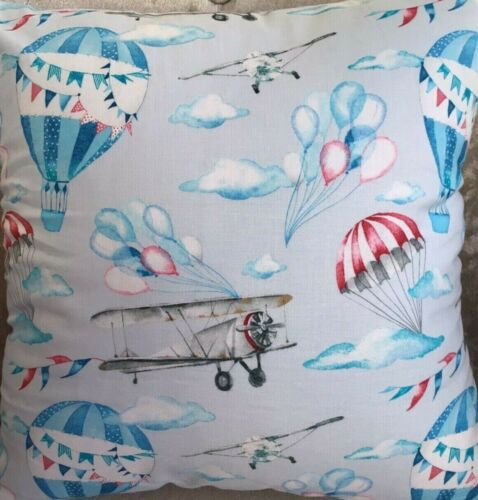 blues 100/% Cotton FLYING MACHINES by John Louden CUSHION HOT AIR BALLOONS