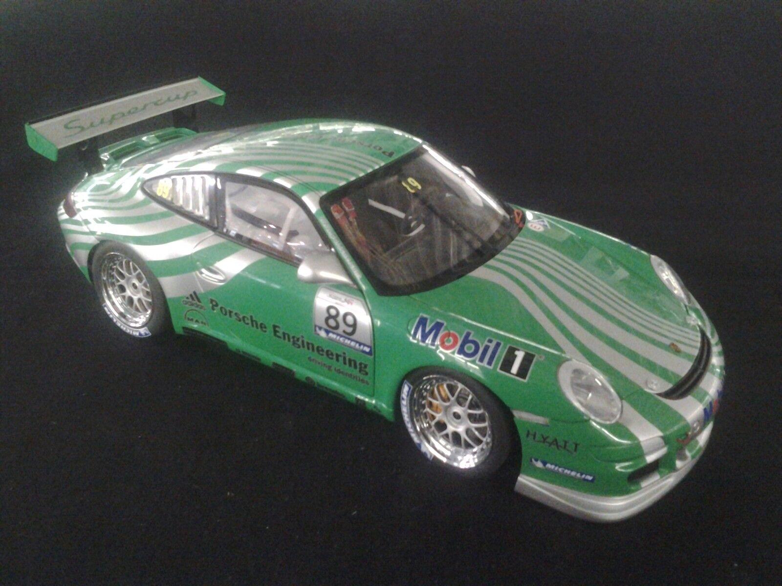 AutoArt Porsche 911 (997) GT3 Cup 2006 1 18  89 VIP Car (MCC)