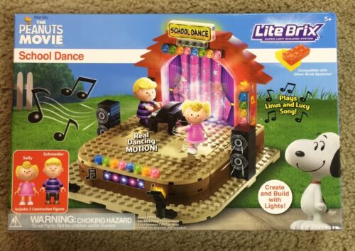 Peanuts Lite Brix! School Dance! NEW IN BOX! BID NOW!