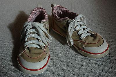 Levis Chucks Knöchelschuhe 31 Textil sand farben weiß+rot Streifen Ledersohle