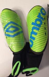 "bb1fda6c1435 Umbro Youth Arturo Soccer Shin Guards Sz Med 3'6""-3'11"" Green | eBay"