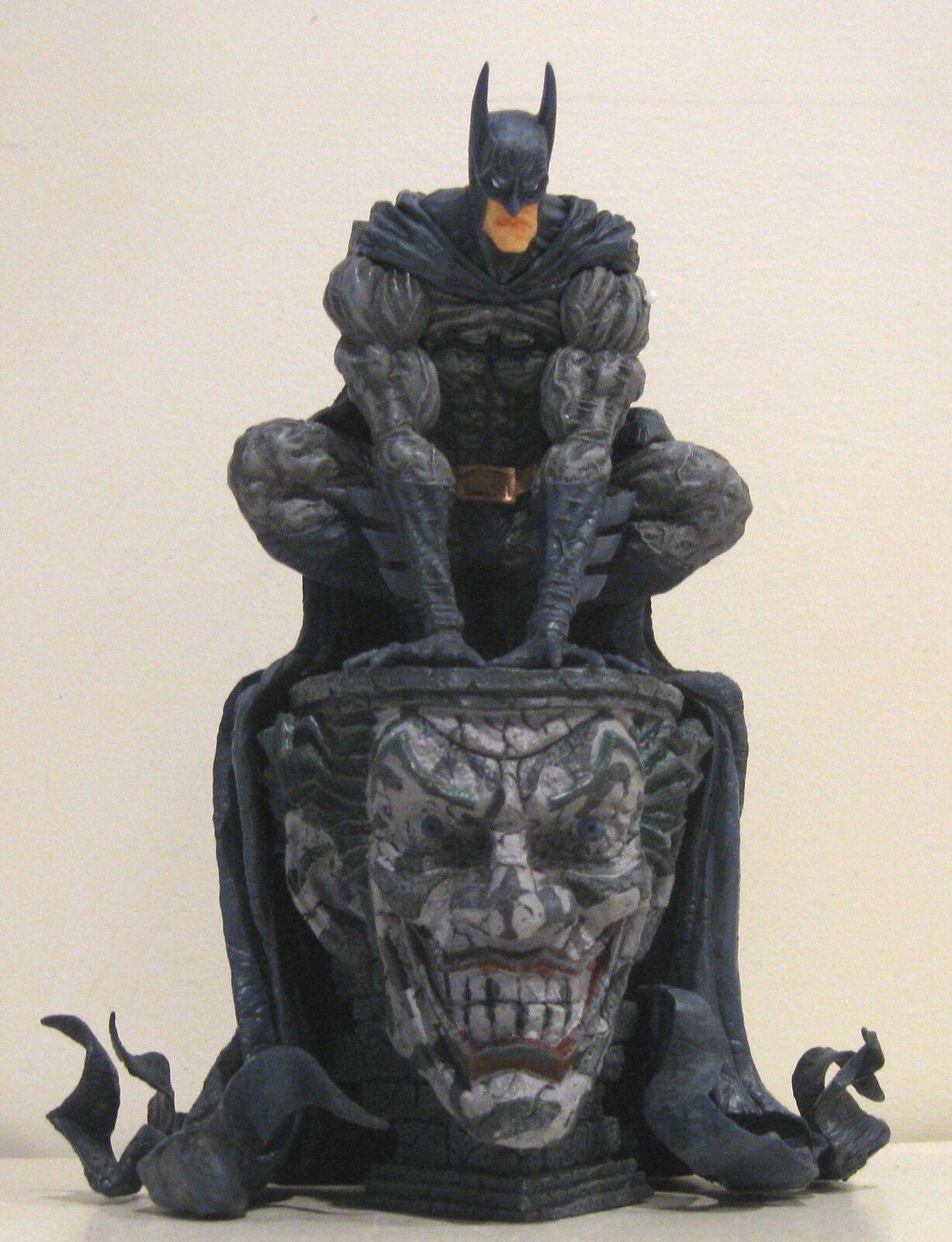 Keiji Iwakura Batman Statue NIB