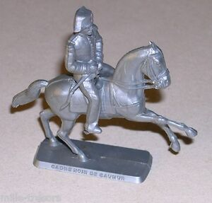 Figurine-MOKAREX-1959-CADRE-NOIR-de-SAUMUR-Cavalier-Cavalerie-Guerre-1914-1918