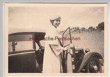 (F12471) Orig. Foto junge Frau am Automobil 1930er