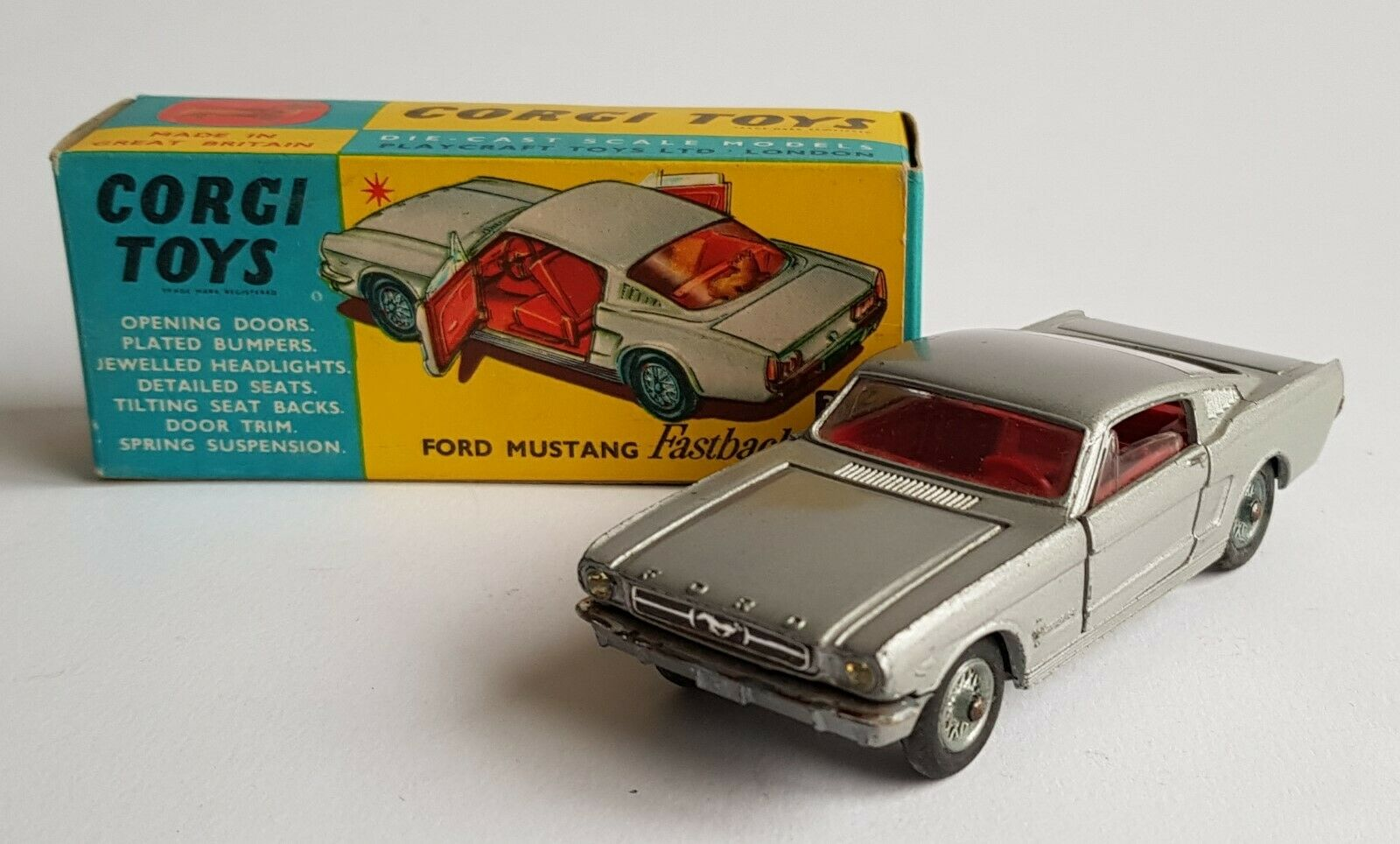 Corgi Toys No 320, FORD MUSTANG Bicorps 2+2 - SUPERBE near Comme neuf boxed condition