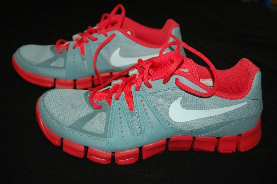 New NIKE Sneakers Gray Men's sz 8.5 Light Gray Sneakers Bright Red Training Athletic Shoes Tie d6c1cb