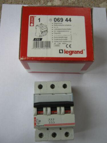 PART NUMBER 06944 NEW LEGRAND C40 40 AMP 10KA TRIPLE POLE CIRCUIT BREAKER.