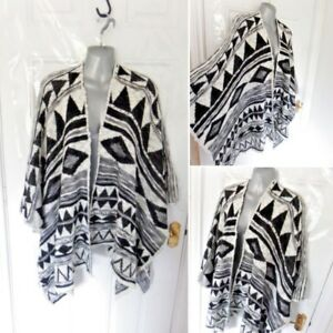 Ladies-One-Size-Black-White-Cape-Poncho-Style-Cardigan-Top-Aztec-Festival-Boho