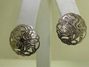 LOVELY-VINTAGE-ESTATE-BEAU-REPOUSSE-STERLING-SILVER-FILIGREE-EARRINGS