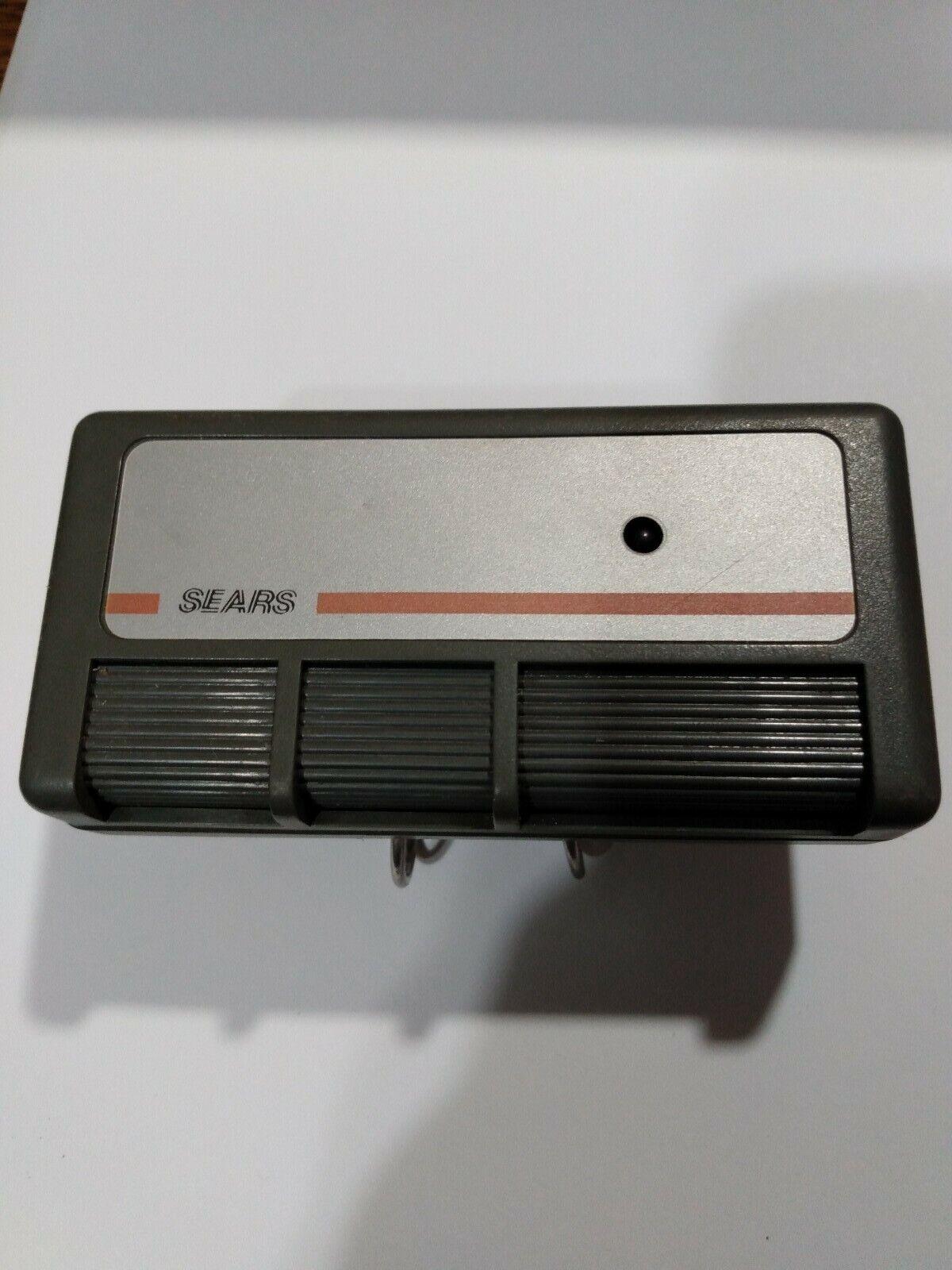 SearsCraftsman 3-Button Garage Door /& gate remote opener 139.53718 W// visor clip