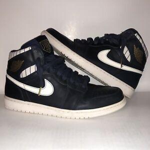 Nike Air Jordan Retro 1 High Jeter Midnight Navy Metallic Gold ... ae06ed165