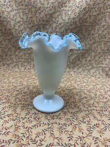 Fenton-034-Aqua-Crest-034-White-Milk-Glass-with-Ruffled-Trim-Vase-6-1-2
