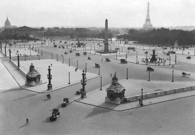 1920 Paris, Place de la Concorde & EIFFEL TOWER Glossy 8x10 Photo France Poster