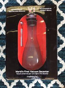 Metrokane-V1-World-039-s-First-Vacuum-Decanter-NIB