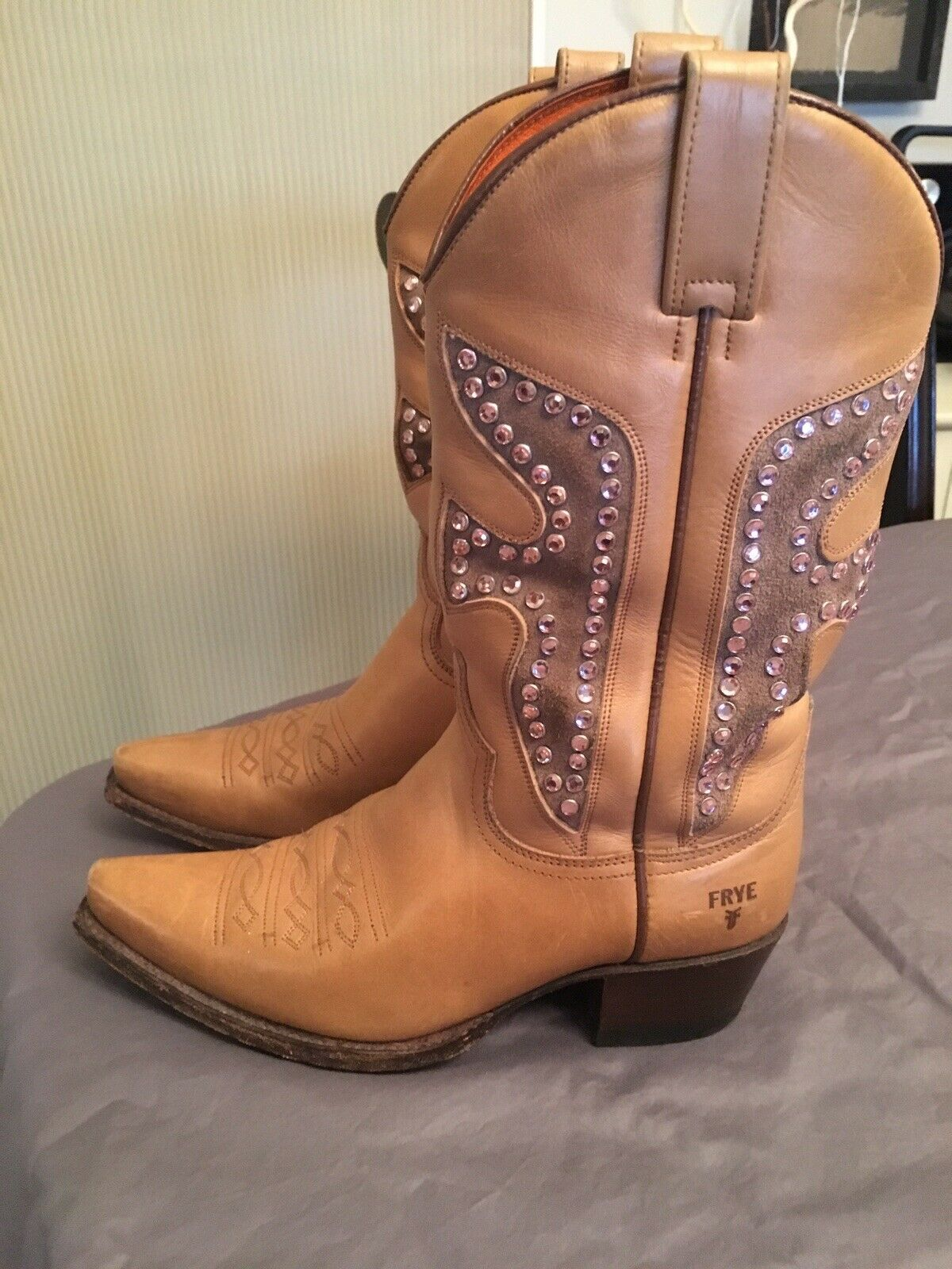 Frye Daisy Duke Studded Rhinestone Tan Antique gold Western Boots shoes 7