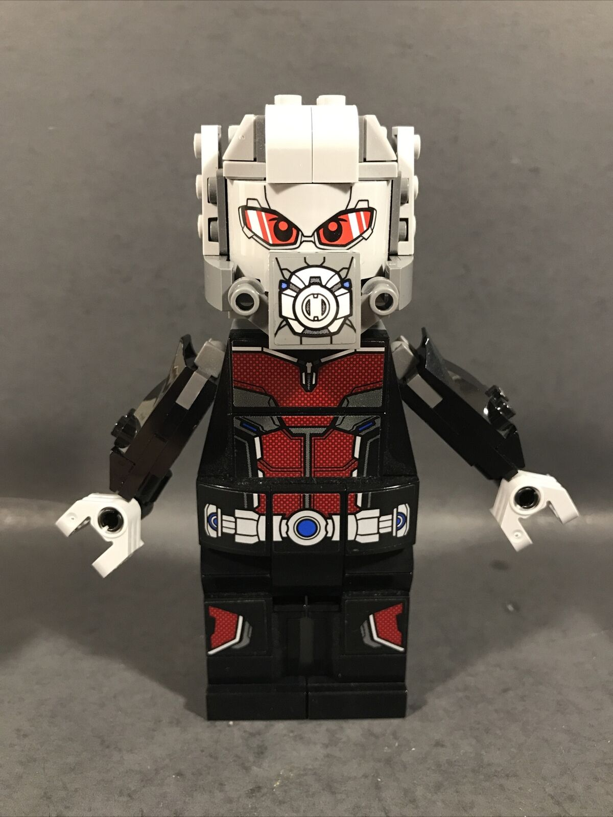 Marvel Lego big figure 76051 Giant-Man Pristine condition With booklet.
