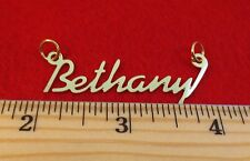 "14KT GOLD EP /""MARCIA/"" PERSONALIZED NAMEPLATE WORD CHARM PENDANT 6255"