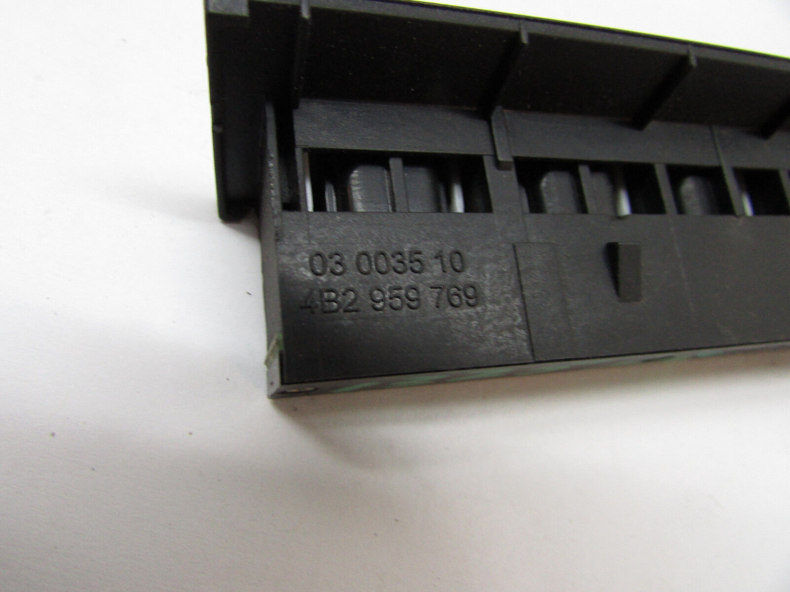 4B2 959 769 RH Front Seat Memory Switch Button Audi A6 S6 C5 Allroad