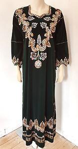 Vintage-1960s-Green-Velvet-Ethnic-Embroidered-Kaftan-Maxi-Dress-Size-10-12-14