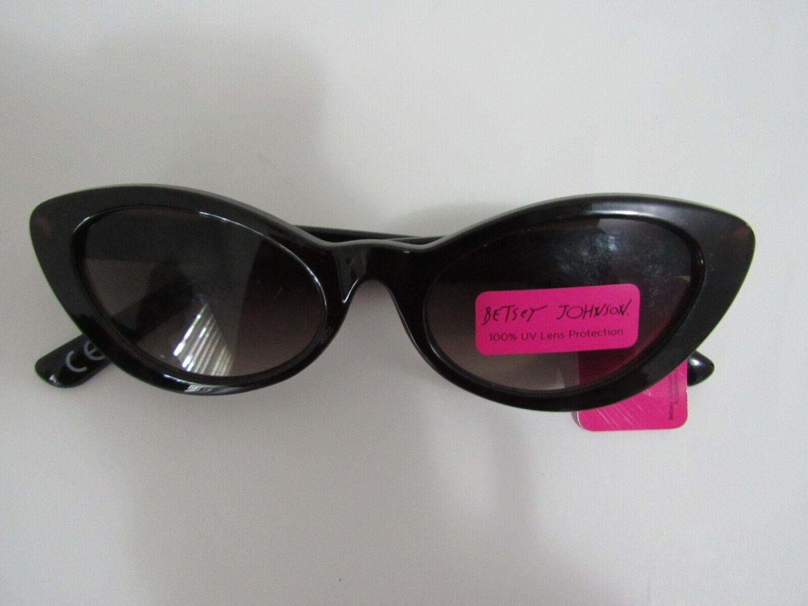 NWT Betsey Johnson Un0120 black color plastic frame cat eye sunglasses women