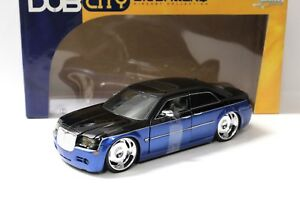 1-18-Jada-Dub-City-Chrysler-300-C-Berline-Blue-Black-New-chez-Premium-modelcars