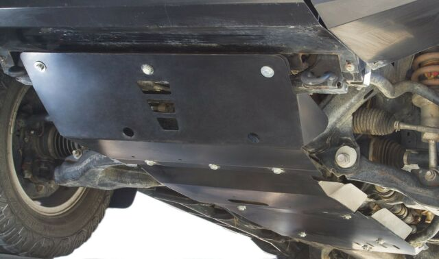 Nissan Navara D22 Front Bash Plate - Under Body Protection