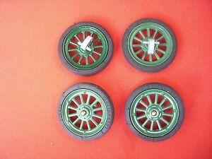 4 Schuco Räder = Reifen auf Felgen in rot für Blechspielzeug Auto Oldtimer