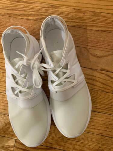 Addidas women white sneakers