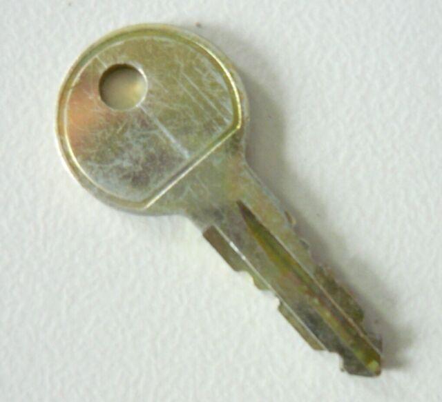 Thule Schlüssel N047 N 047 Ersatzschlüssel für Heckträger Dachboxen Dachträger