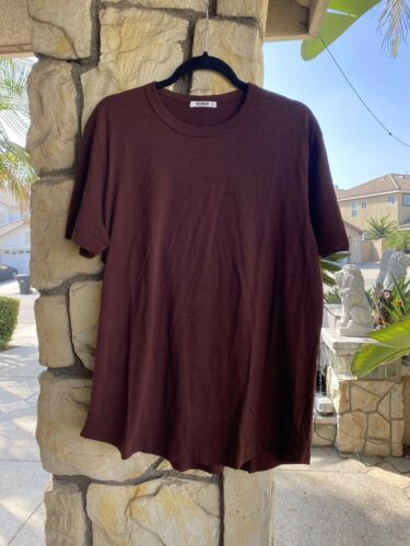 NWOT Buck Mason Men/'s Burgundy Slub Cotton Curved Hem T-Shirt Tee Sz L