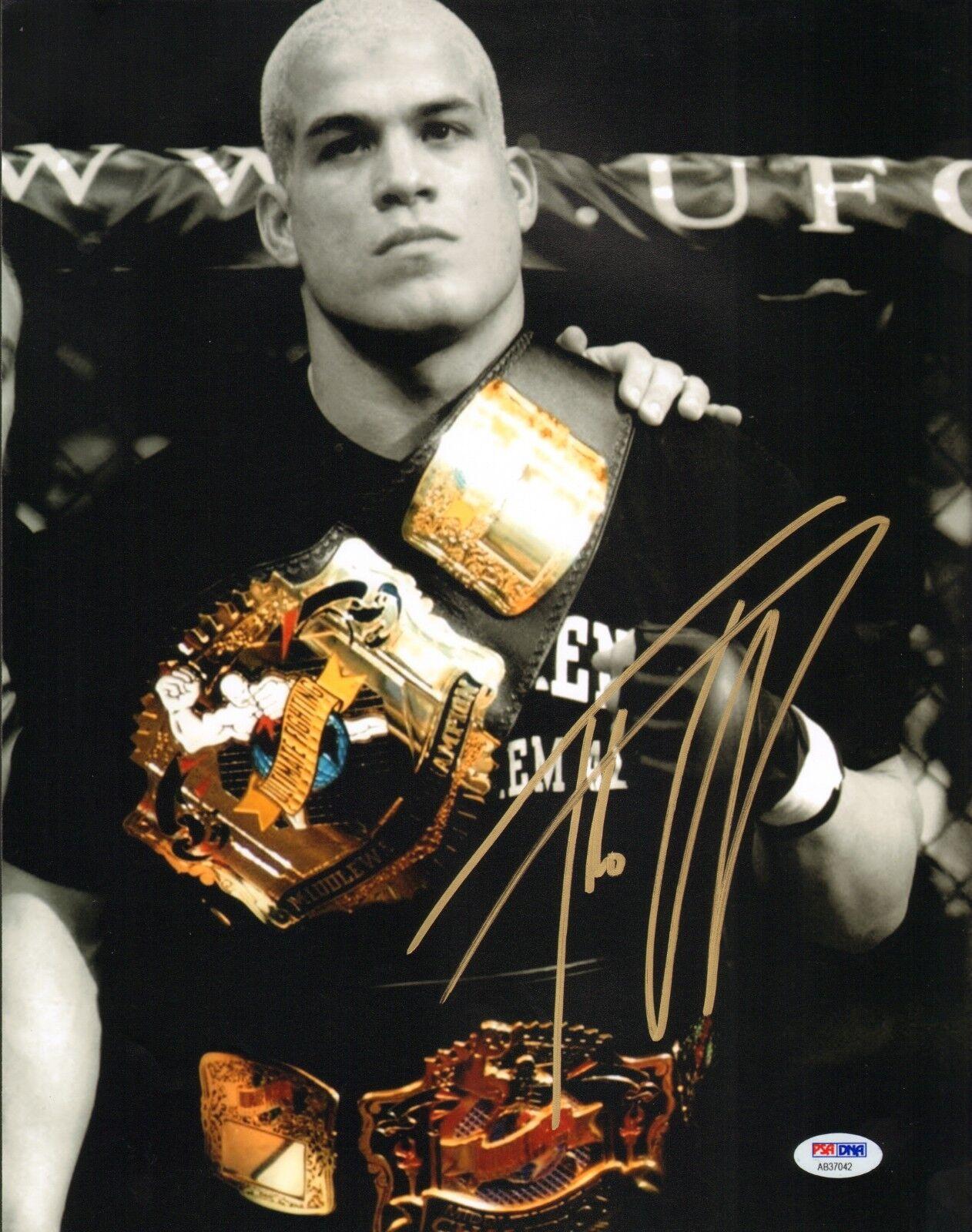 Tito Ortiz Firmado UFC 11x14 Foto PSA DNA COA Cinturón Autógrafo 25 30 40 32