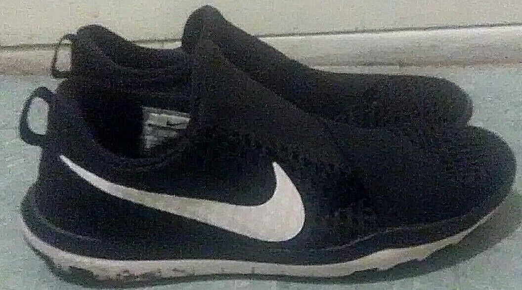 Nike Noir and Blanc running sneakers Taille 9.5 Homme