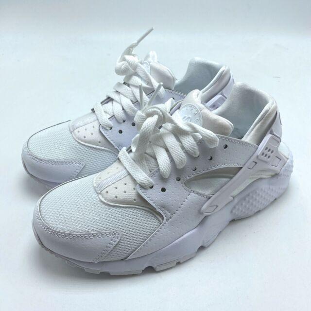 muy agradable compañerismo Catástrofe  11 Womens Nike Air Huarache Run Triple White Running Casual Classic 634835  108 for sale online | eBay