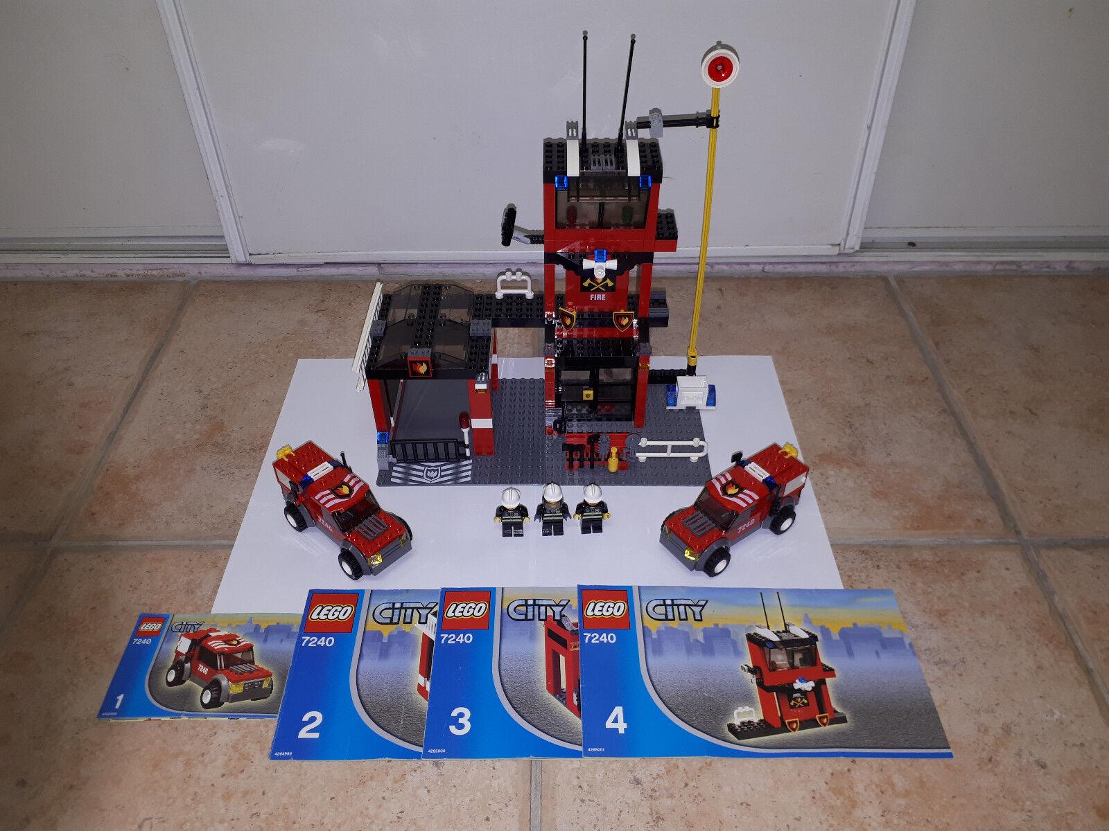 Lego city la caserne des pompiers ref 7240 de 2005
