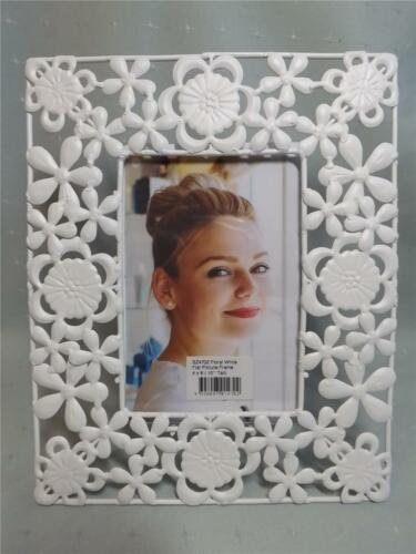 BARGAIN REDUCED TO CLEAR GORGEROUS FLOWER DESIGN WHITE PHOTO FRAME NEW GIFT
