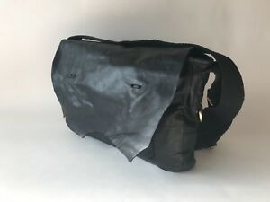 Jas-M-B-London-Unisex-Messenger-Bag-in-Black-Leather
