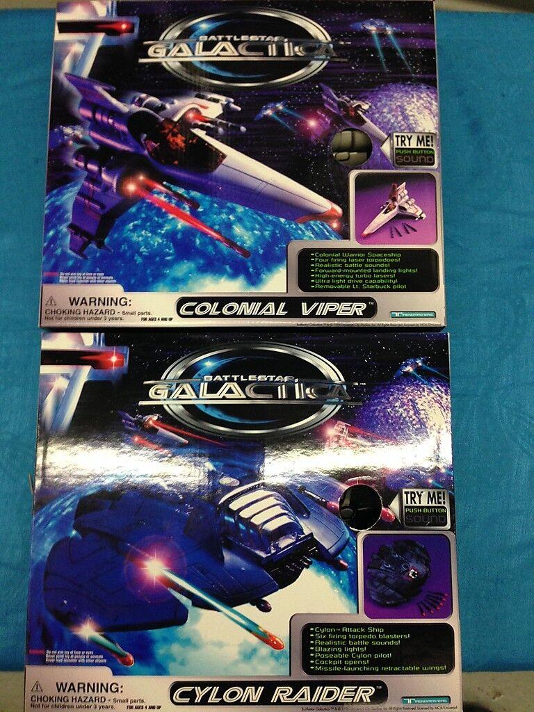 Battlestar Galactica Colonial Viper and Cylon Raider set - Trendmasters
