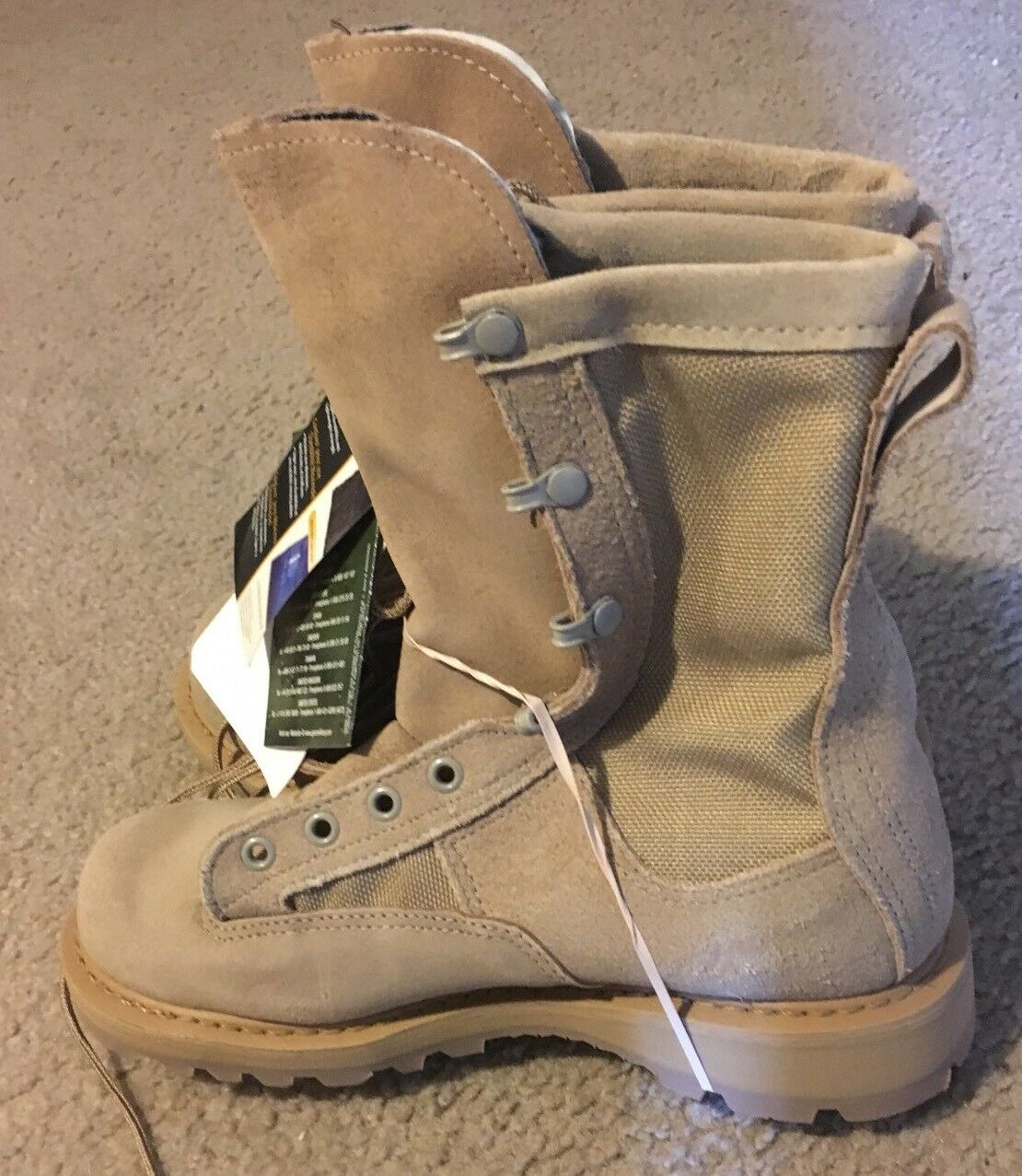US ARMY TEMPERATURE WEATHER COMBAT BOOTS  5R VIBRAM BOOT GORTEX