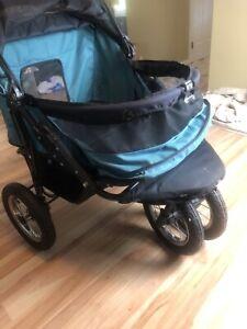 Pet Gear no zip DOUBLE dog/pet stroller.