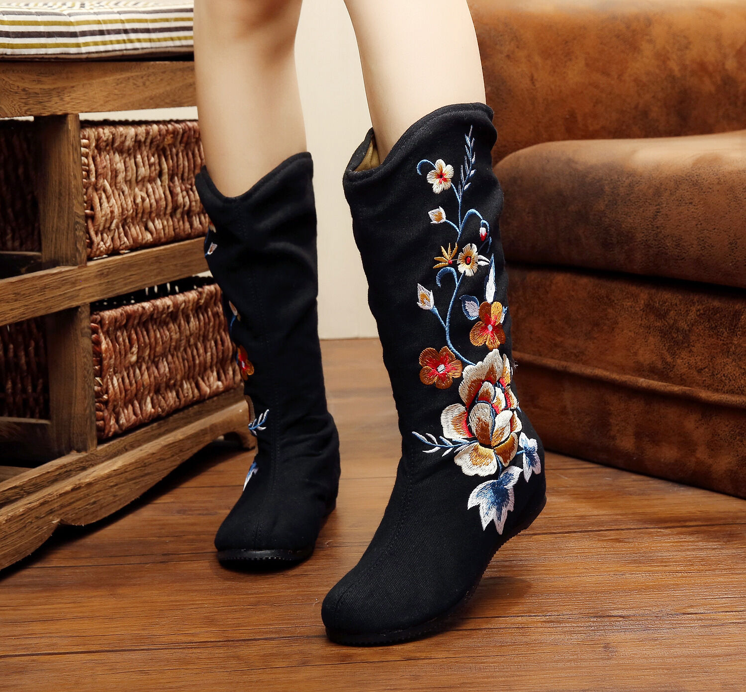 Women's Chinese Style Embroidered Shoes Cloth Single Mid Ankle Boots Black Zhou8