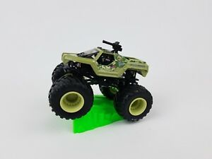 Hot-Wheels-Monster-Jam-Soldier-Fortune-truck-with-stunt-ramp-1-64th-scale