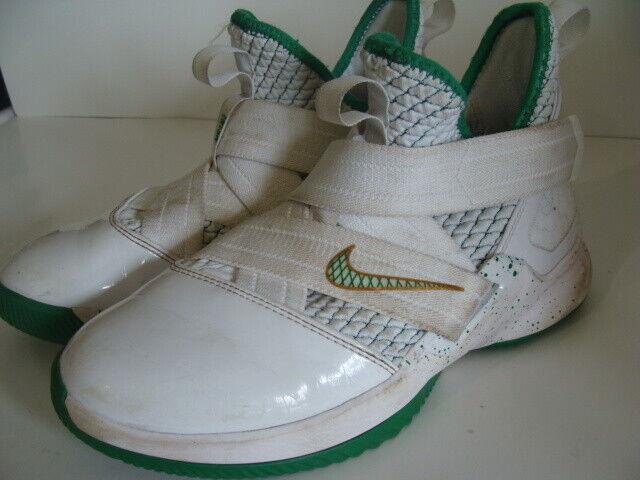 Nike Lebron Soldier XII GS Sz 5.5y