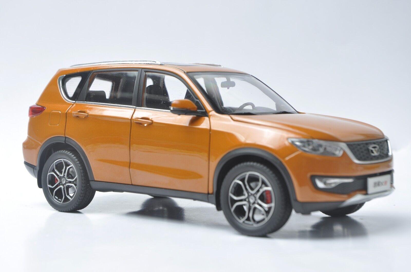 offrendo il 100% Dongfeng Kaiyi X3 auto modellolo in scale 1 18 18 18 arancia  in vendita