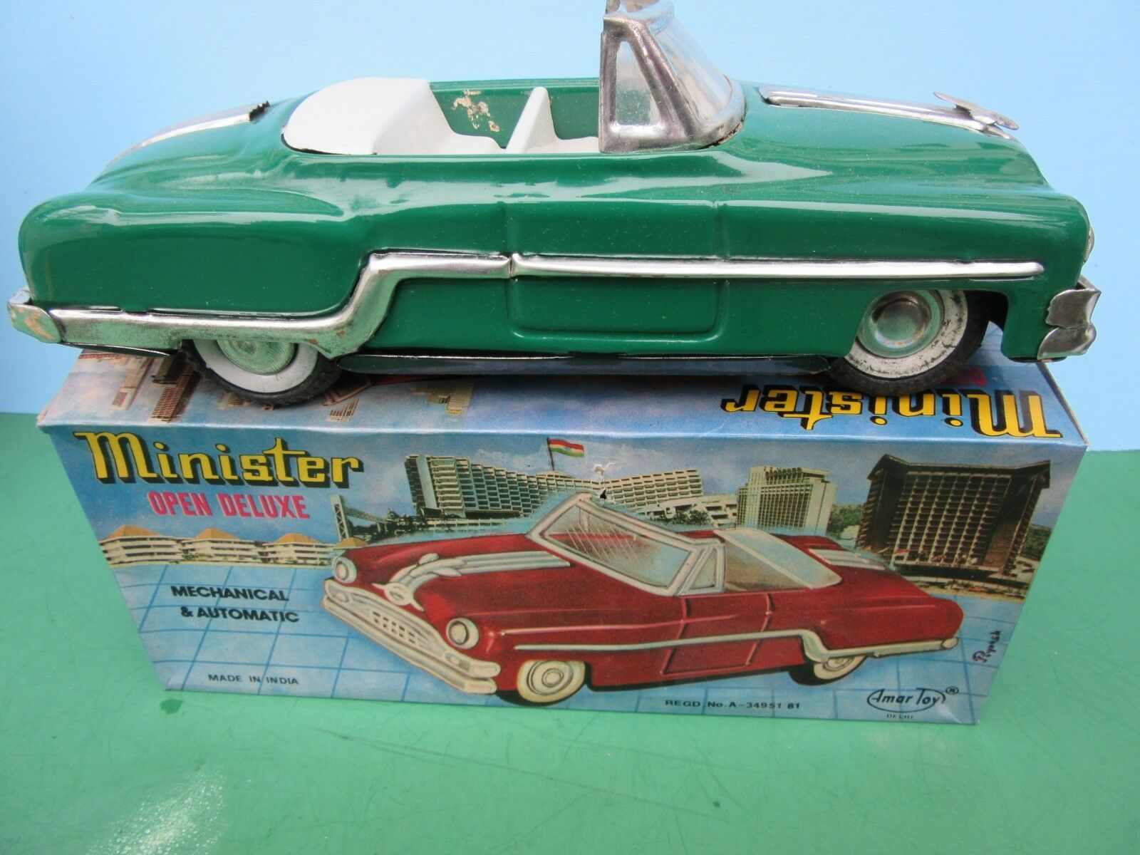 1950's Minister Green PONTIAC TIN FRICTION Congreenible Car in Box NM 9 1 2