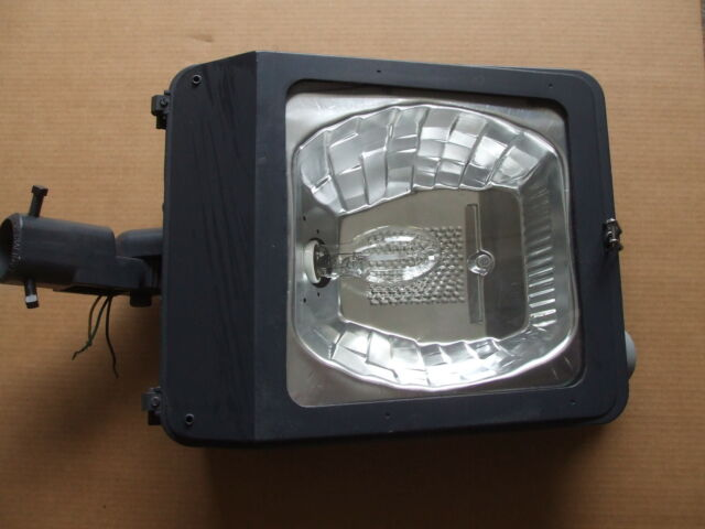 400 Watt Metal Halide Parking Lot Flood Lights NEW