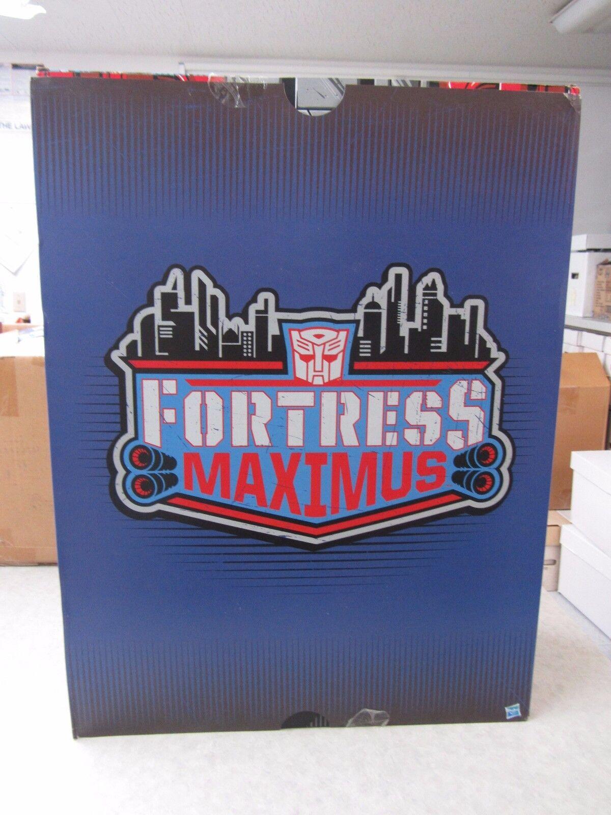 Transformers  SDCC 2016 Exclusive  Titans Return Fortress Maximus  Hasbro