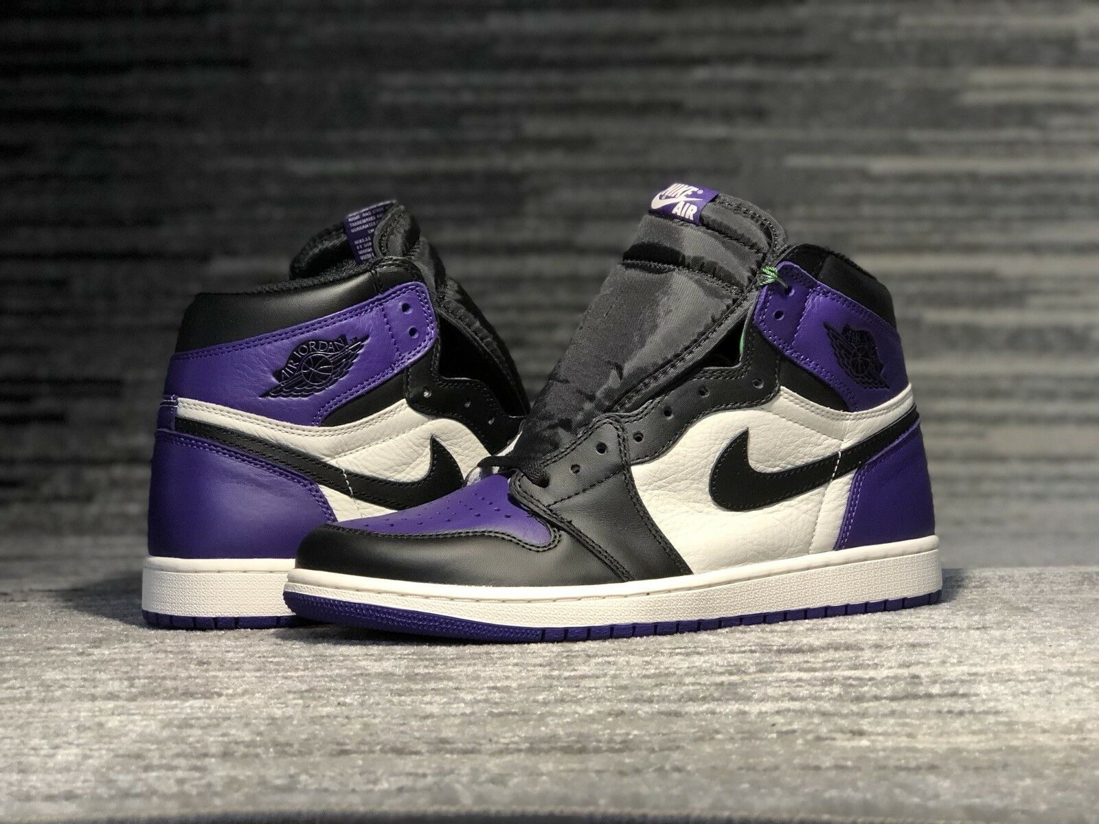 Nike Air Jordan 1 OG Court Purple Retro High size 10.5 DS Brand New 555088-501