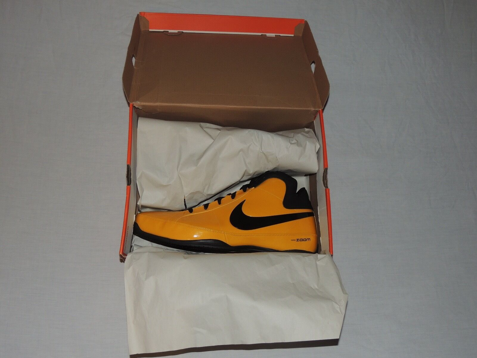 NWB NIKE ZOOM HUSTLE DEL SOL (YELLOW) BLACK SHOES SIZE 18 US 17 UK CM 36 BR 51