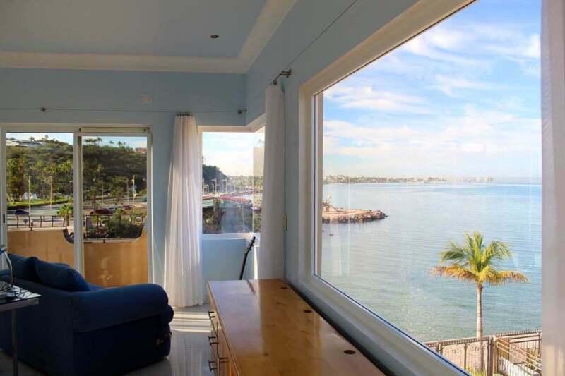Casa  En Venta, Frente A Playa,   En Marina Palmira.