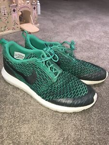buy popular cb212 9d3c1 Image is loading Nike-Roshe-Run-NM-Flyknit-SE-Lucid-Green-